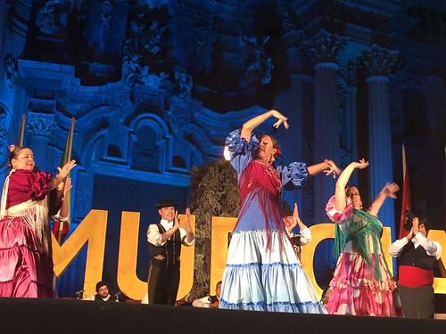 El Grupo de Danzas Ciudad de Dos Hermanas en el Festival de Folclore del Mediterráneo en Murcia