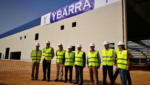 Visita a las obras de la nueva fábrica de Ybarra