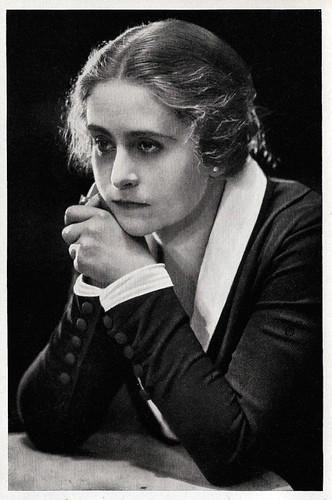 Carola Toelle in Die Schuld des Grafen Weronski (1921)