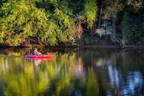 canoneosrebelt2i trolling kayak oldtowne canoe tittabawassee river rio sunset reflection fishing trees summer midland mi michigan july verano