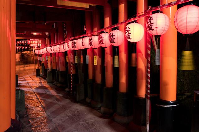 Fushimi Inari Taisha Shrine(伏見稲荷大社、万灯祭)
