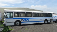 NYPD - 1999 Orion V Bus - Patrol Borough Bronx - 9833 (9)