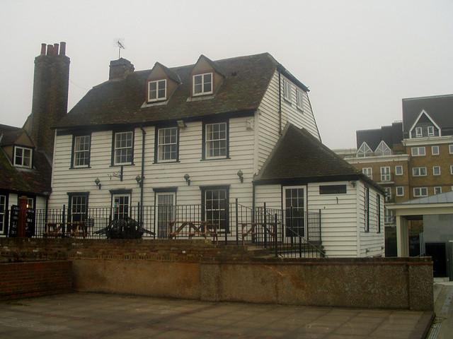 Pub near Gravesend pier