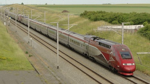 Belgian High Speed Lines - A coupled PBA- and PBKA-trainset in the direction of Brussels.