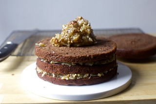filling german chocolate cake