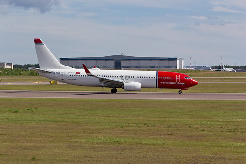 LN-NHG Norwegian B738 @ HEL | by valentin hintikka