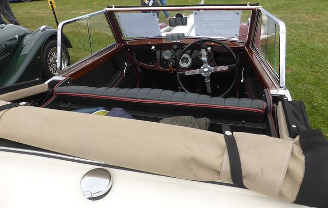 Morgan 4/4 Series 1 Drophead Coupe (1947), Panasonic DMC-TZ40