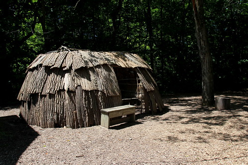 IMG_10319_Wigwam_at_Conner_Prairie