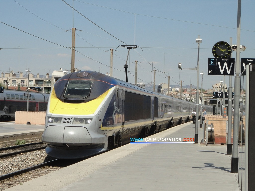 La rame Eurostar 3211-3212 entrant en gare de Marseille Saint-Charles en provenance de Londres St Pancras International