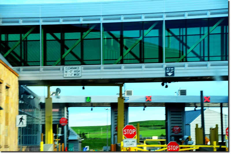 Sweetgrass–Coutts Border Crossing 2