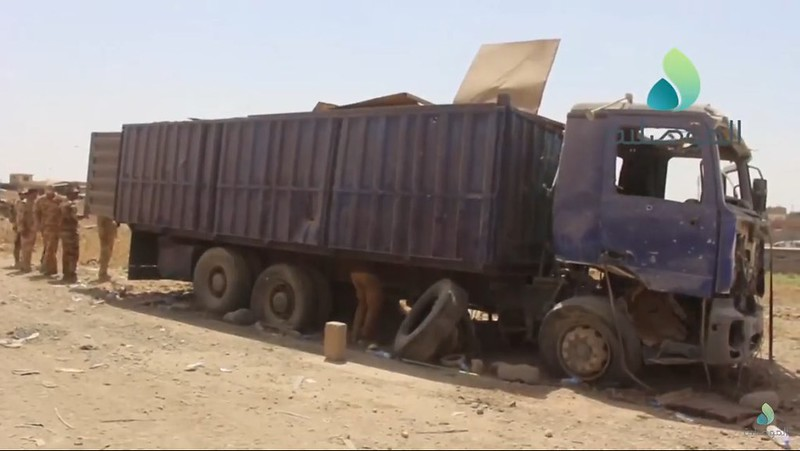 T-55-turret-container-truck-iraq-2016-snn-1
