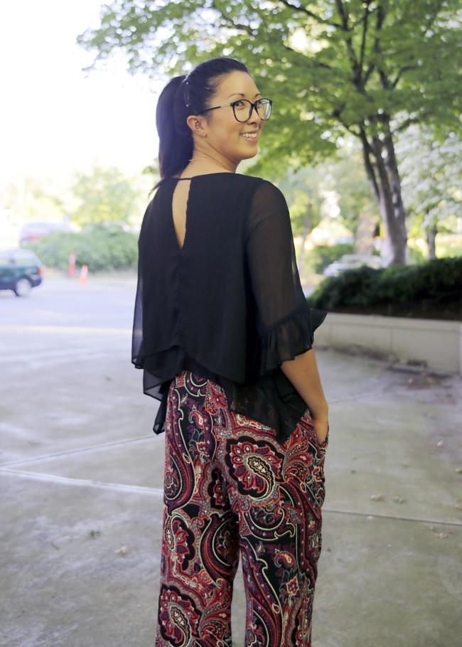 summer-paisley-pants-ruffle-top