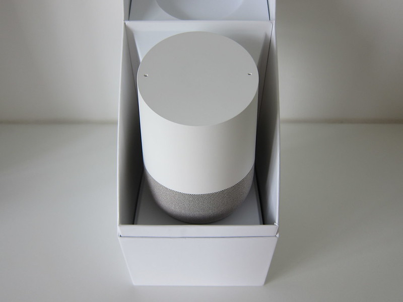 Google Home - Box Open