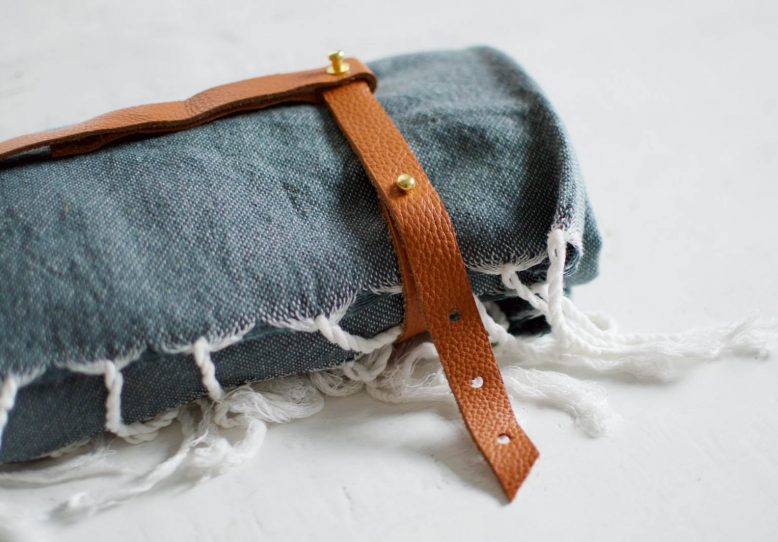 01-DIY-Leather-Towel-Strap