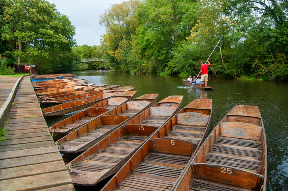 Punting on the River Cherwell, Oxford. Credit Meraj Chhaya