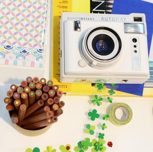 撮った写真を手紙にして完成。マステやシール、ペンなどを使って。