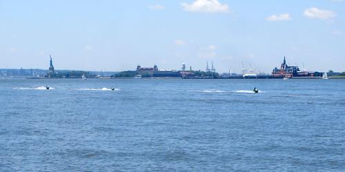 Jetskis on the Hudson