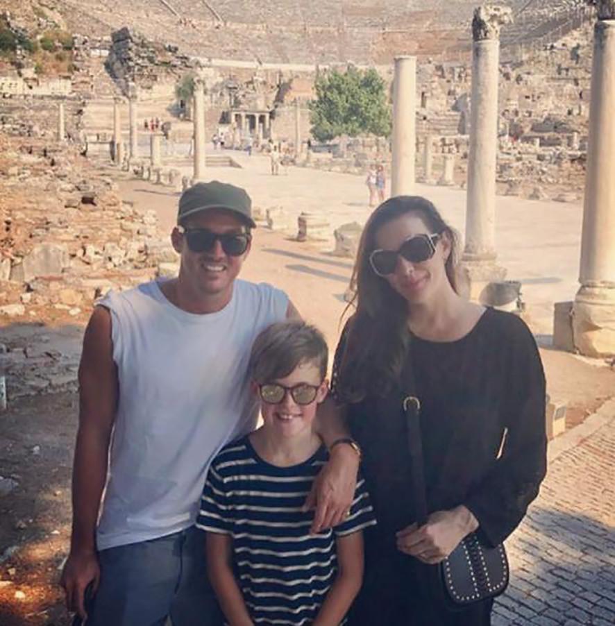 Liv Tyler eşi ve kızı ile birlikte Antalya'da tatil yaptı