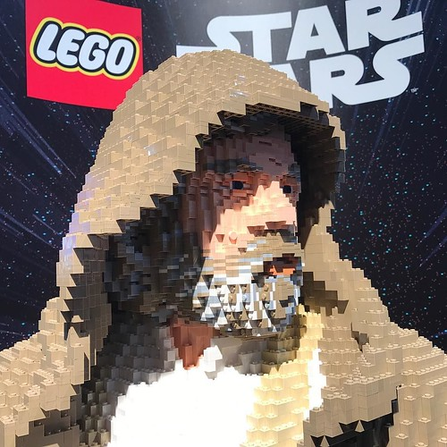 Is this the Last Jedi? LEGO Luke Skywalker, seen at the LEGO booth at San Diego Comic Con. . . @lego @comic con @hamillhimself #lego #sdcc #sdcc17 #sdcc2017 #starwars #lastjedi #lukeskywalker