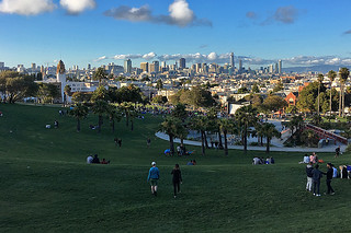 Film Night in the Park - Dolores Park Austin Powers movie afternoon