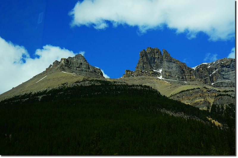 The scenery along  AB-93 N(Icefields Parkway) (8)