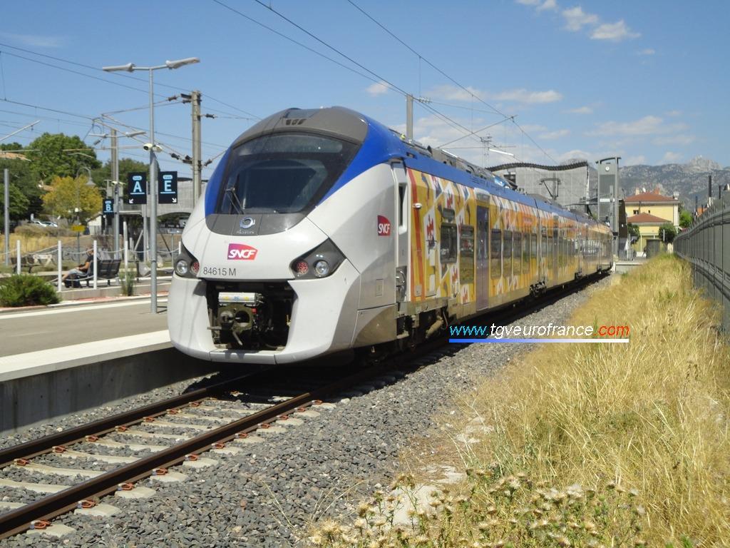 L'autorail bimode Régiolis (Coradia Polyvalent Alstom) B84615-B84616 de SNCF Proximités