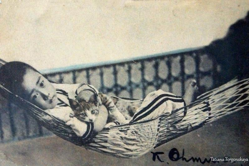 Фотография мальчика с котом