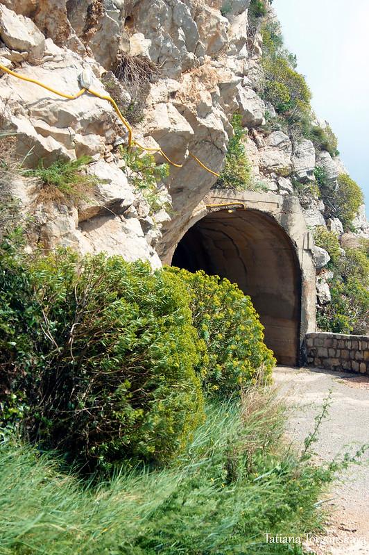 Вход в пешеходный туннель
