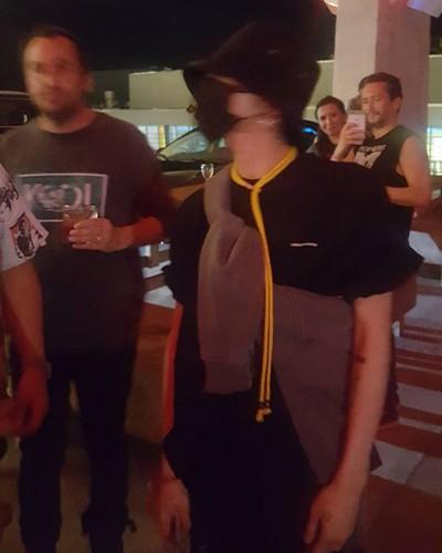 G-Dragon at #PMO Peaceminusone Pop-Up Store in Miami 2017-07-24 (2)