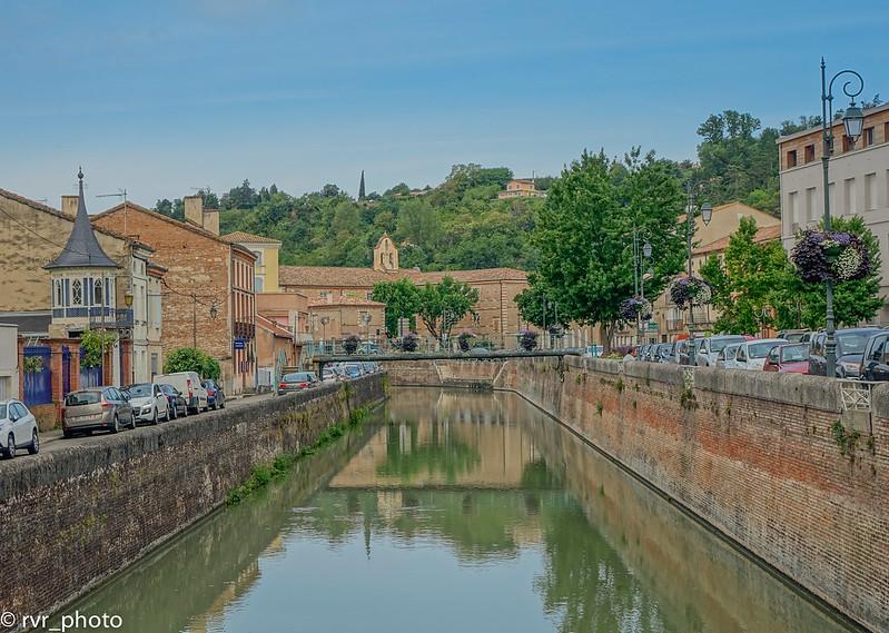 Canal Midi Pyrenees cruzando Moissac
