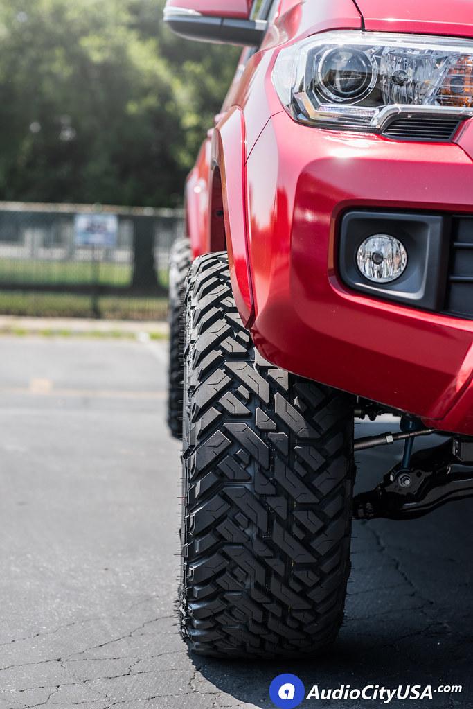 2017 Toyta Tacoma Trd Sport 20x10 Fuel Wheels D260