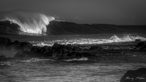 waves vague sea seascape landscapes paysages nb noirblanc bemezpictures bw blackwhite blackandwhite réunion
