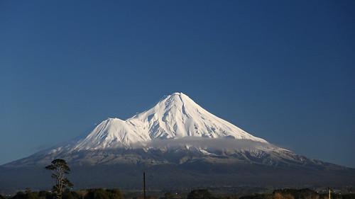 taranaki eltham mttaranaki mountain volcano snow winter sh3 landscape