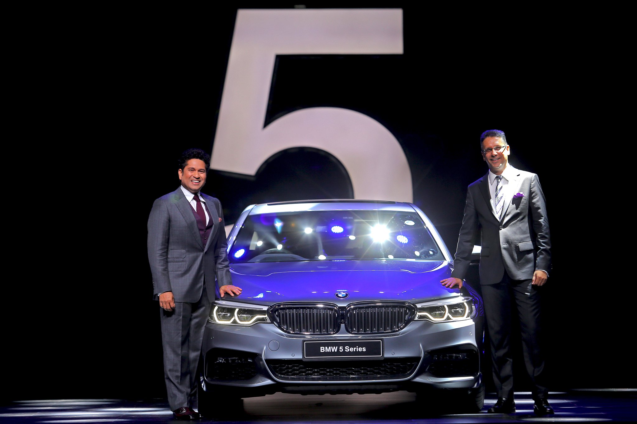 (L-R) Mr. Sachin Tendulkar and Mr. Vikram Pawah, President, BMW India with the all-new BMW 5 Series_a