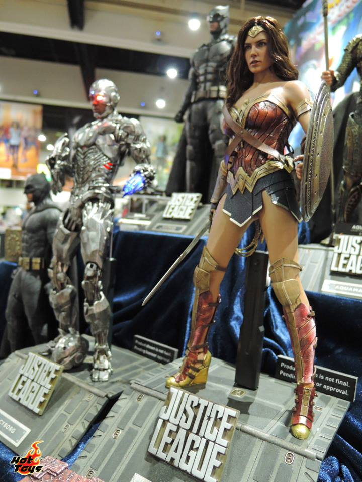 Hot Toys Wonder Woman Justice League SDCC2017