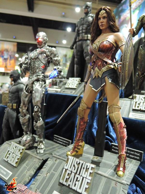 Hot Toys Wonder Woman Justice League SDCC2017