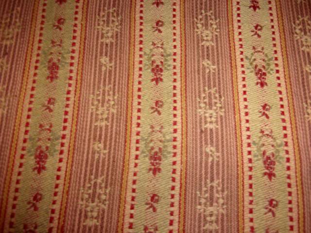 tissus-pour-loisirs-creatifs-tissu-ancien-style-louis-xvi--9113838-144-5321-zpsc1c7313-f28ba_big