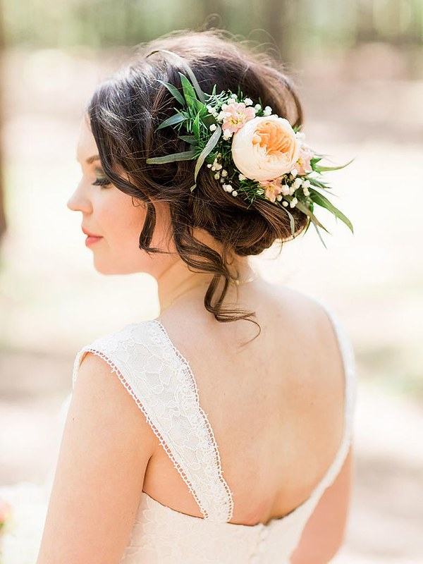 Wedding Hairstyle Ideas : Nothing says an outdoor, woodsy wedding like pairing your wedding hairstyle with...