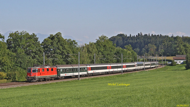 Re 4-4 Train IR 2182 Locarno-Bâle SBB à Eggerswil