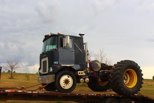 Combine tires on a cabover -- unreal.