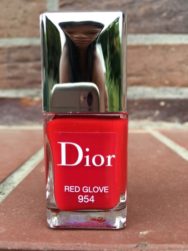 red glove954_zps18xycb2b