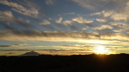 mount taranaki mounttaranaki mttaranaki statehighway43 sh43 ohura road ohuraroad douglas new zealand newzealand sunset sun set north island northisland