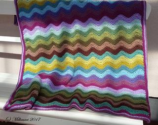 Aaltokuvioinen peitto - Ripple blanket