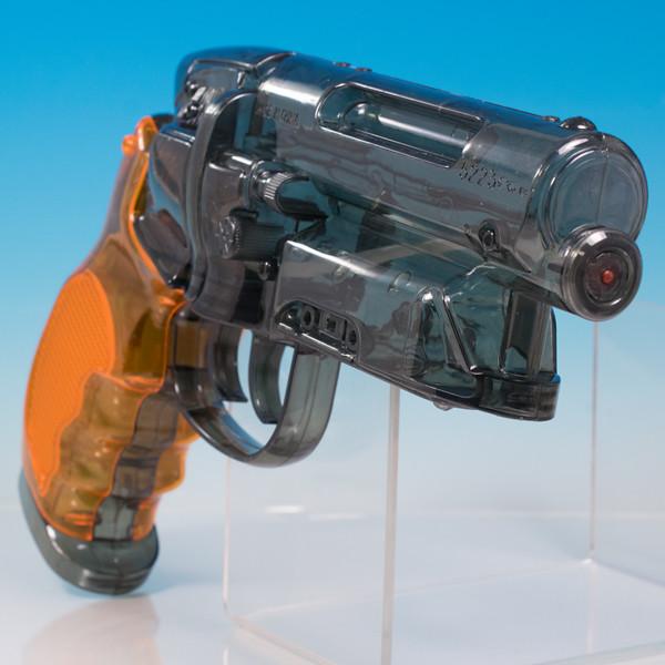レビュー SF映画を代表するガンが水鉄砲に!Fullcock 高木型 弐〇壱九年式 爆水拳銃 通常版