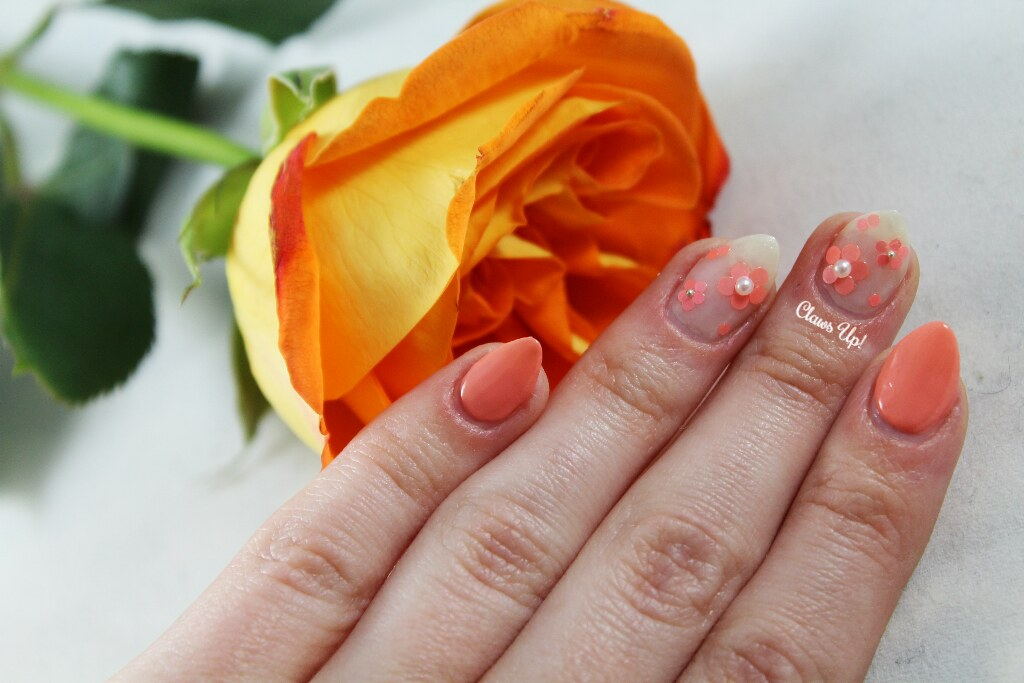 Simple orange flower nail art
