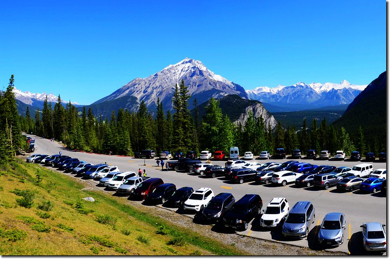 Northern view of the mountains from Banff Gondola parking lot