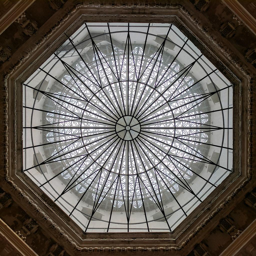 Kuppeldach der Kunstakademie in Dresden