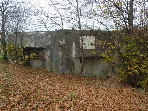Bunker (mit Reklame)