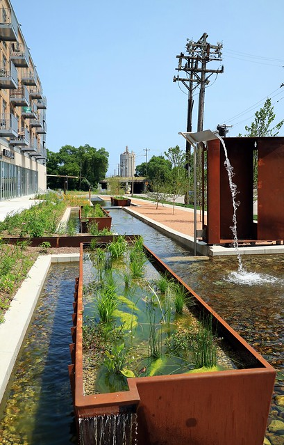 Freshwater Plaza Water Feature
