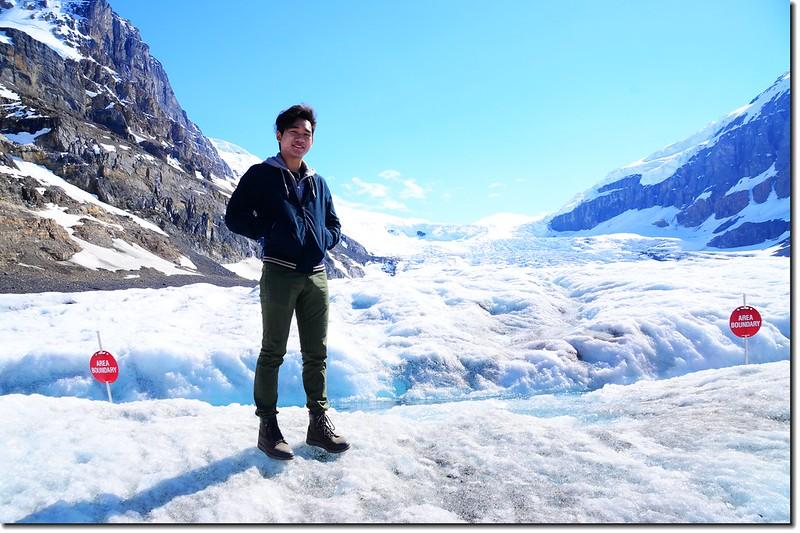 On Athabasca Glacier (8)